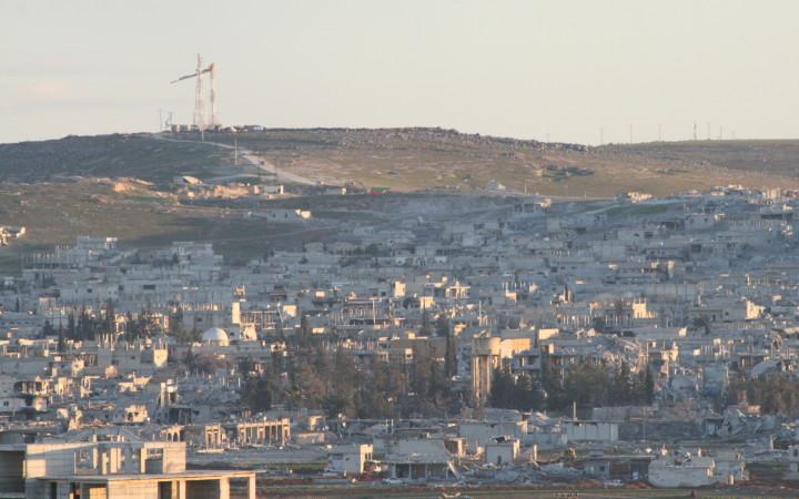 Über Kobanê weht wieder die Fahne von Rojava. Die Stadt ist ein Trümmerfeld.