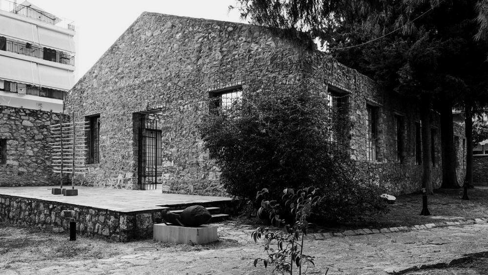 Ruine eines ehemaligen Fabriksgebäudes